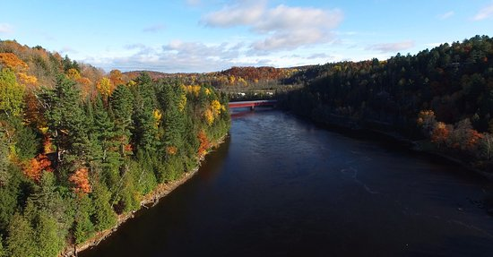 Wakefield, Canada: Gatineau River is walking distance