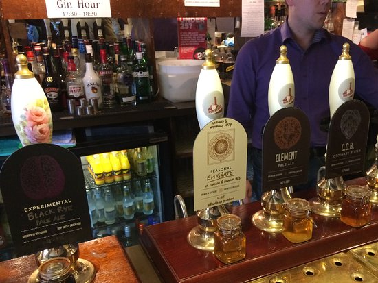 Cricklade, UK: The selection of draught beers