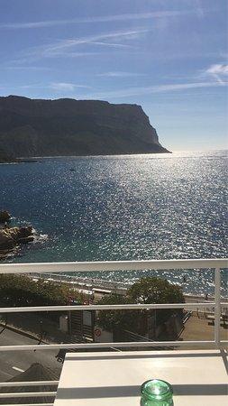 Hotel de la Plage Mahogany: La Vue mer est splendide  L hotel a réouvert il y a 10j. Soyons indulgents
