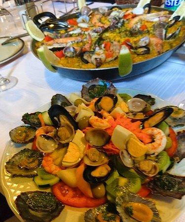 Tacoronte, Spanien: Deliciosa 😋 Paella 🥘 y ensalada 🥗