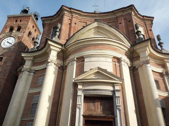 Borgo d'Ale, İtalya: La facciata