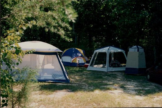 Louisa, VA: Not just for RV's, we have spots perfect for tent camping as well!