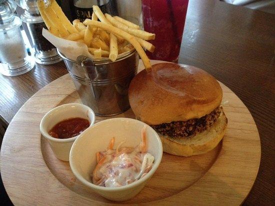 Lavendon, UK: Quinoa burger