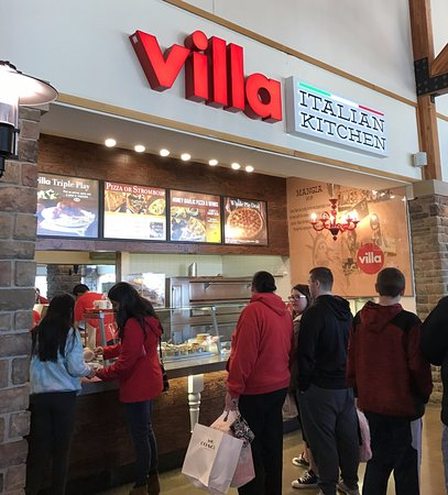 counter for Villa Italian Kitchen at Pleasant Prairie Premium Outlets