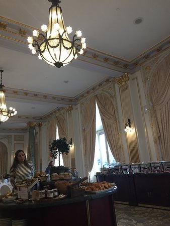 Hotel Maria Cristina, a Luxury Collection Hotel, San Sebastian: la salle des petits dejeuners