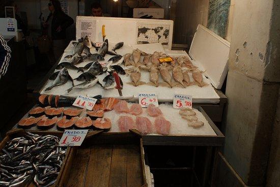 Attica, Greece: Le marché de poissons
