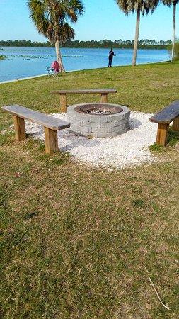 Jiggs Landing : Pavilion, fire pit