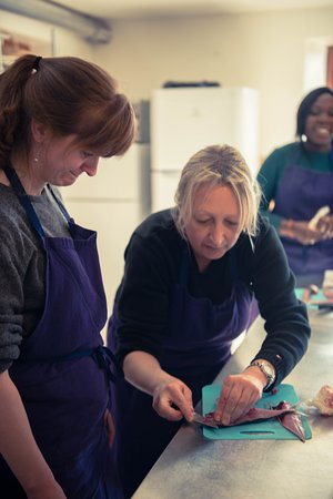 Anzex, Francia: French Cooking Course | Fish Filleting