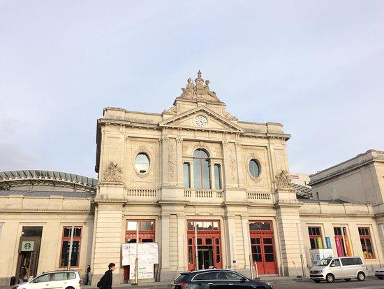 Leuven, Belgia: Station