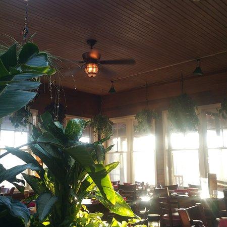 Buckalew's Restaurant & Tavern: Great food! Nice atmosphere off season