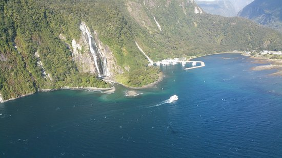 Fly Fiordland Picture