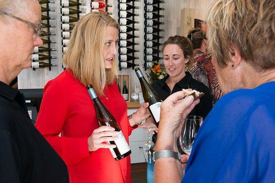 Cromwell, Nueva Zelanda: Interior of Tasting Room