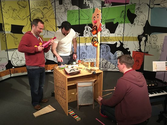 Nuremberg Toy Museum (Spielzeugmuseum) : Fun for all ages in the temporary exhibition on noise