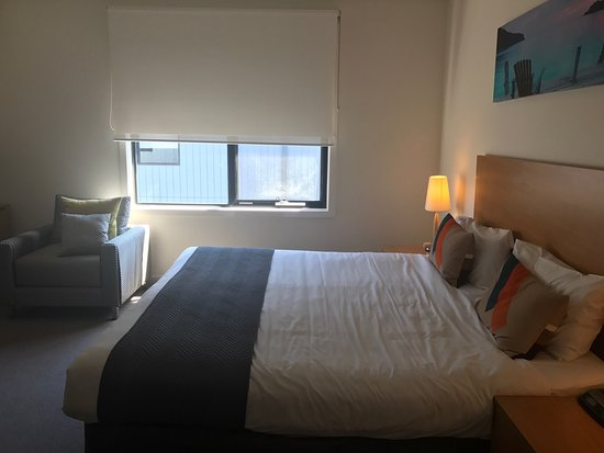 Frankston, Australia: Large bedroom, king bed