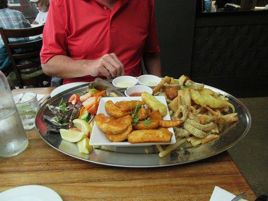 Boardwalk Restaurant: Seafood platter at The Boardwalk