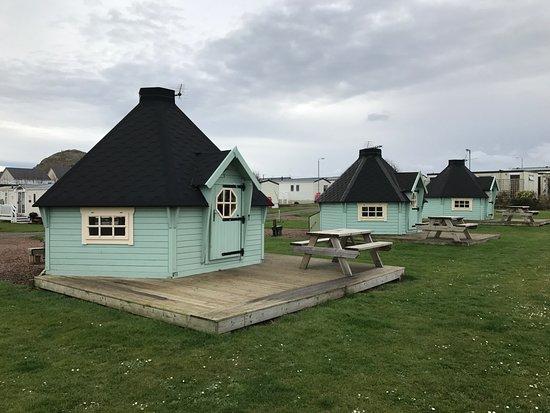 Gilsland Park: Wooden Glamping Cabins (5 & 4 berth)