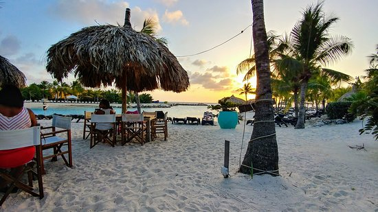 Hemingway Beach Bar: 20170311_173242_HDR_large.jpg