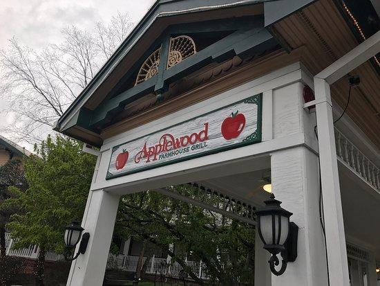 Applewood Farmhouse Grill لوحة