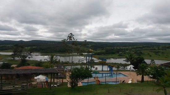 Santo Antonio Do Descoberto, GO: Vista da área de lazer com piscinas