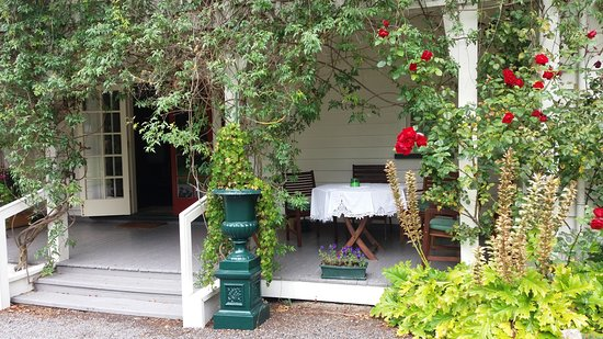 Llandaff Country Retreat B & B: Entry way