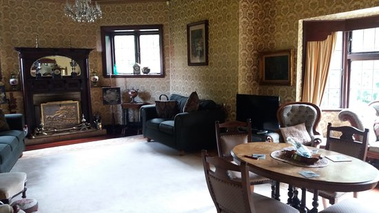Llandaff Country Retreat B & B: Lounge
