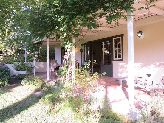 Constantia Stables: This is the 2 bedroom cozy cottage with a common kitchen area