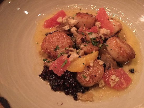 American Grocery Restaurant : Duck, scallops, sriracha honey chicken skins, mussels