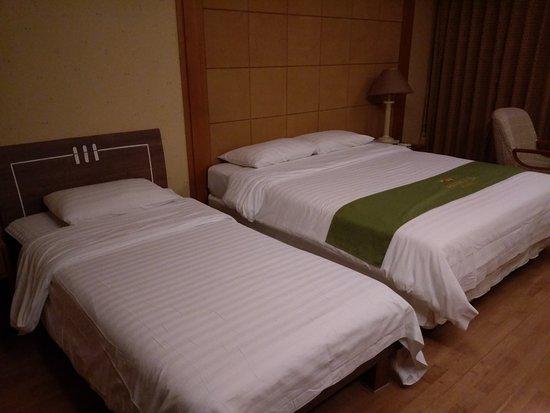 Diamond Hotel: 房間得床雙人+單人