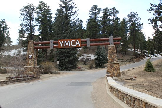 YMCA of the Rockies: Entry