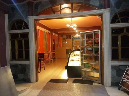Santiago Atitlan, Guatemala: Pasteleria y Café Lolita