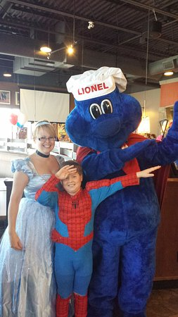 Orillia, Kanada: Princess and Superhero Party