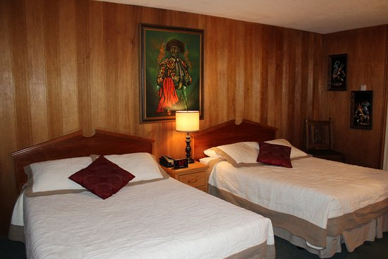 Raton Pass Inn: Madator Room