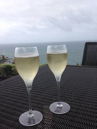 Whale Beach, Avustralya: Complimentary glass of Champagne on arrival