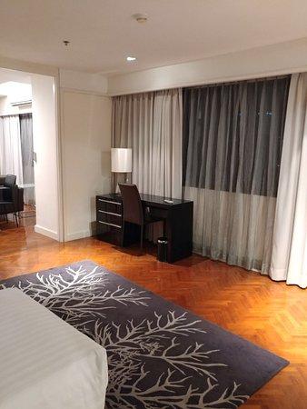 Phachara Suites Photo