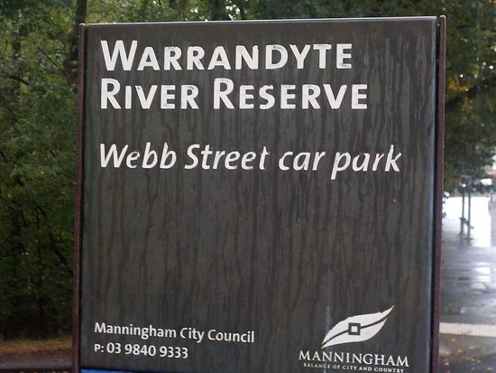 Warrandyte, Australia: Sign up by main road