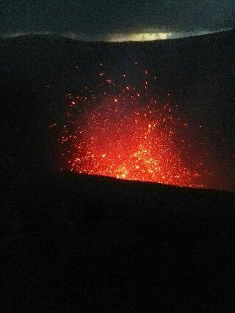 Mount Yasur: Eruption