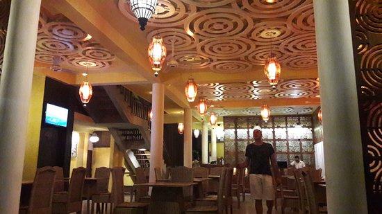 Thaproban Beach House: 20170315_192504_large.jpg