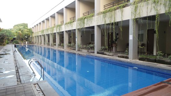 Kuta Station Hotel: outdoor pool