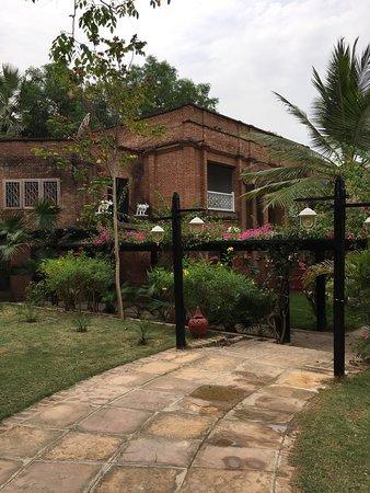 Thazin Garden Hotel : photo1.jpg