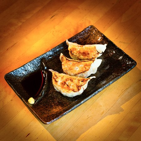 Courtenay, Canadá: Gyoza, made from scratch.
