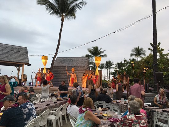 Island Breeze Luau Reviews