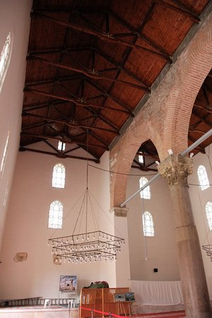 Isa Bey Mosque: Tolle Holzdecke