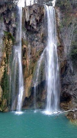 Sillans-la-Cascade, Francia: A 2 pas de cette jolie cascade qui nous a permis de profiter du cadre charmant...