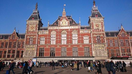 Resultado de imagem para central station amsterdam