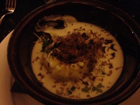 Rosora, Italia: Patata con uovo