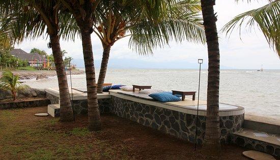1000 Dream Bungalow - Lovina: Nice rest area close too the sea.