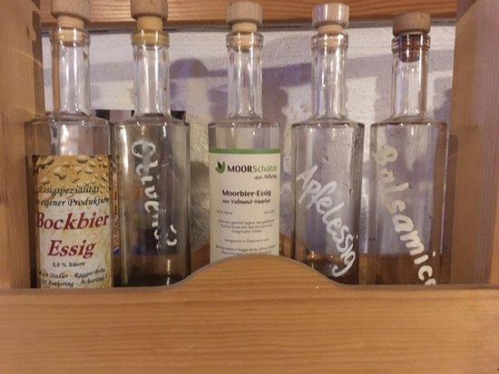 """Anthering, Österreich: Kleine """" Schaetze """" außerhalb der Biere"""