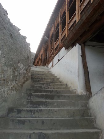 Khaplu, Pakistan: Stairs leading to the mosque