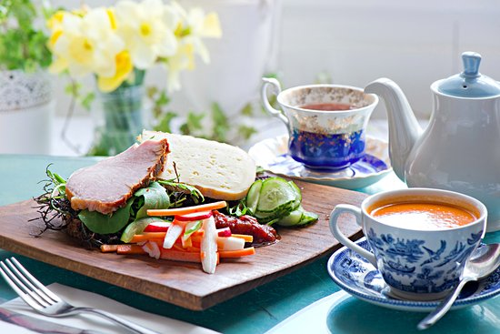 Crawford Gallery Cafe: Crawford sandwich comes with a cup of soup and a pot of Barry's tea.