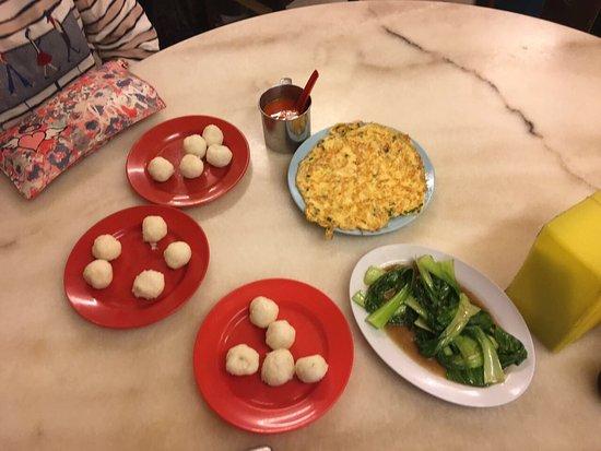 Photo of Chinese Restaurant EeJiBan Chicken Rice Ball Halal at 275 Jalan Melaka Raya 3, Melaka 75000, Malaysia